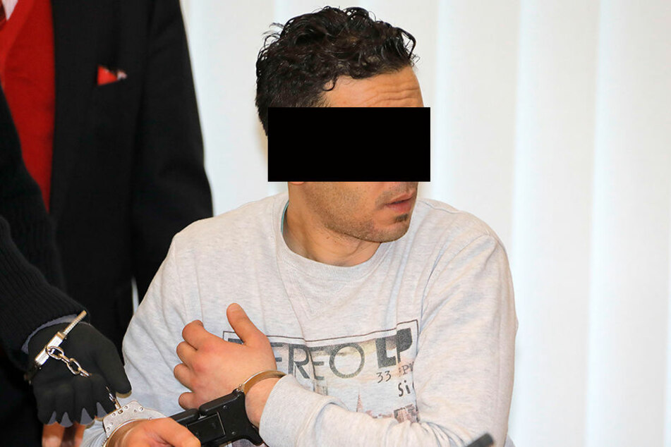 Mohammed B. (36) beging laut Anklage mindestens 13 Straftaten, muss sich seit gestern vorm Amtsgericht Chemnitz verantworten.