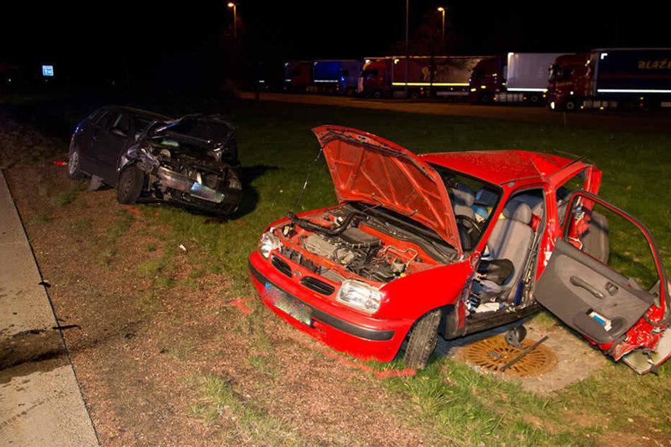 Beide Autos wurden bei dem Crash erheblich beschädigt.
