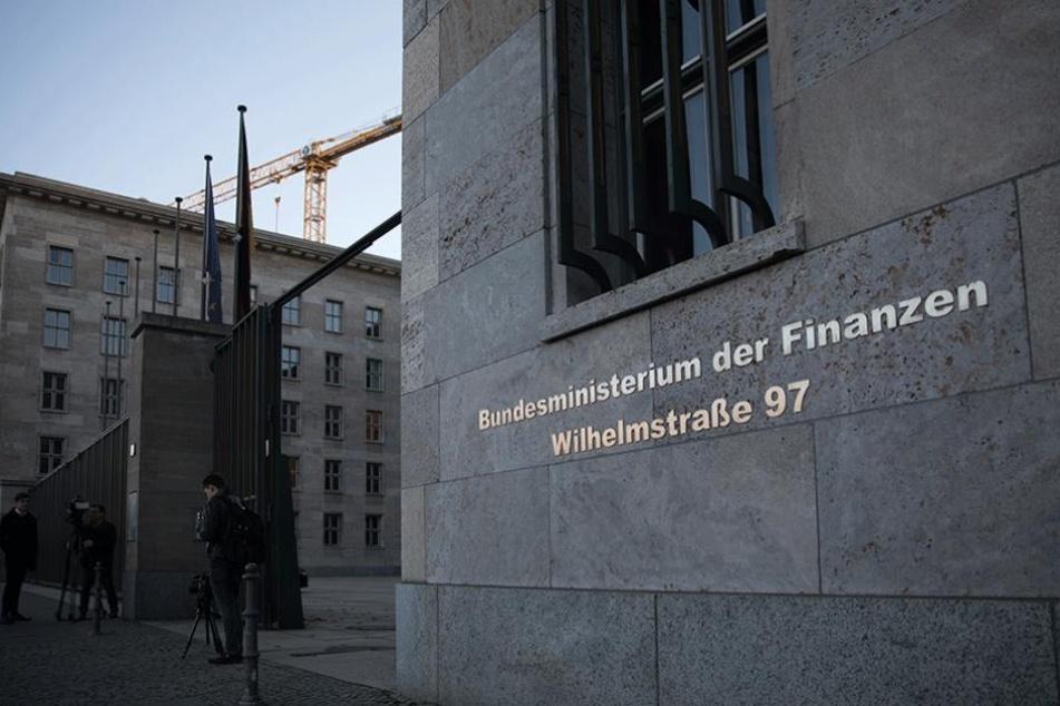 Im Bundesfinanzministerium ging am Mittwoch ein explosive Paket ein, wurde aber rechtzeitig entdeckt.