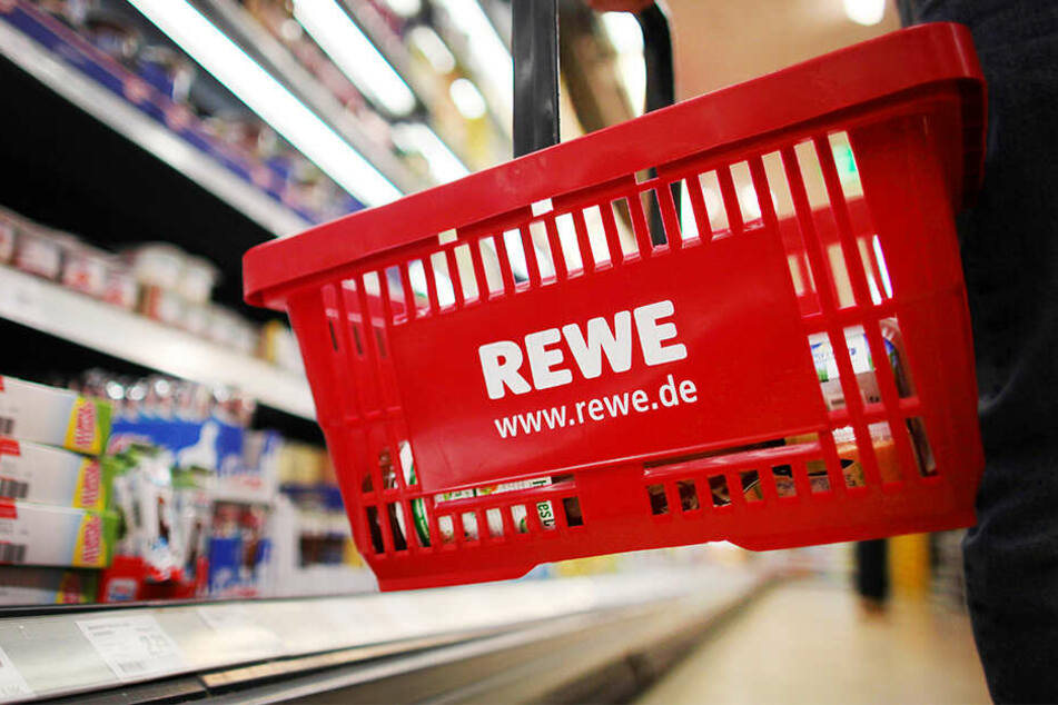 Die Supermarktketten Rewe und Penny nehmen verschiedene Bock- und Wiener Würstchen.