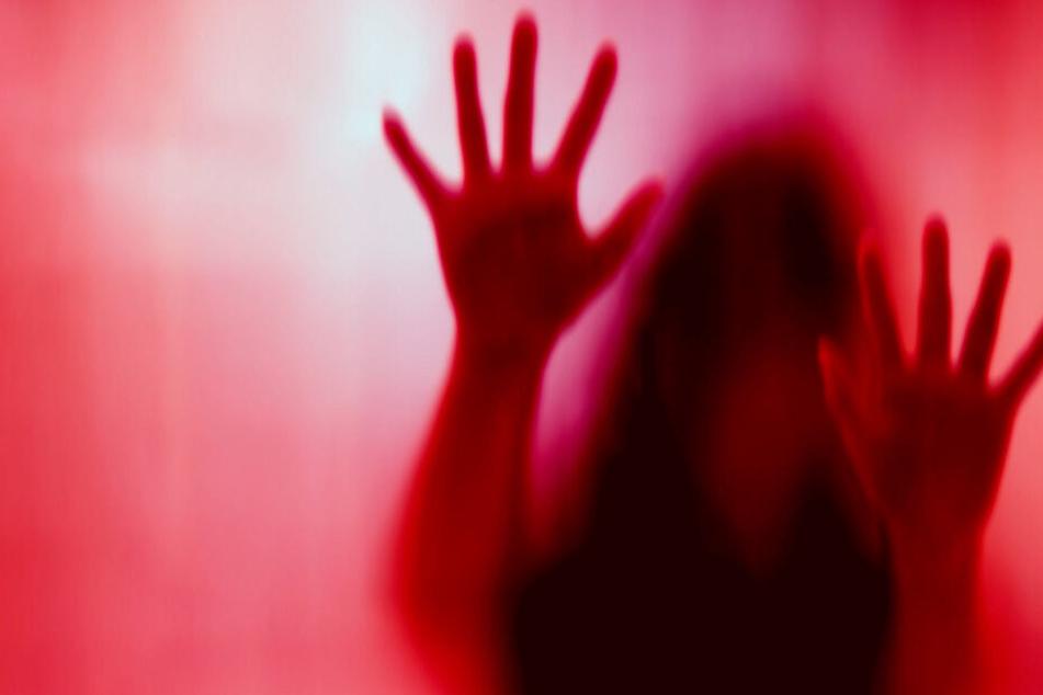 Das Martyrium, das die Frau durchleidet, muss unvorstellbar sein (Symbolbild).