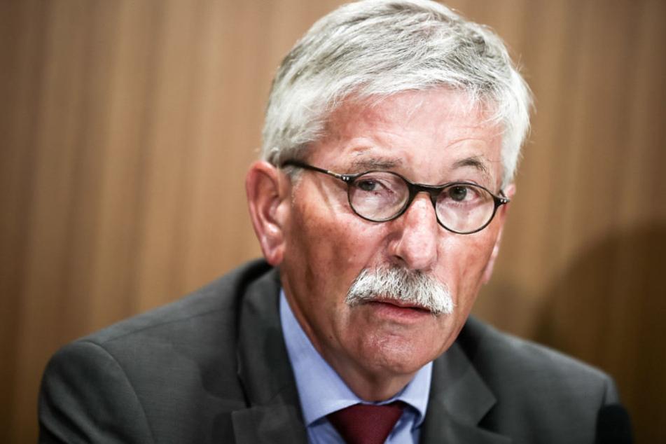 Die SPD will die Parteimitgliedschaft von Thilo Sarrazin erneut prüfen.