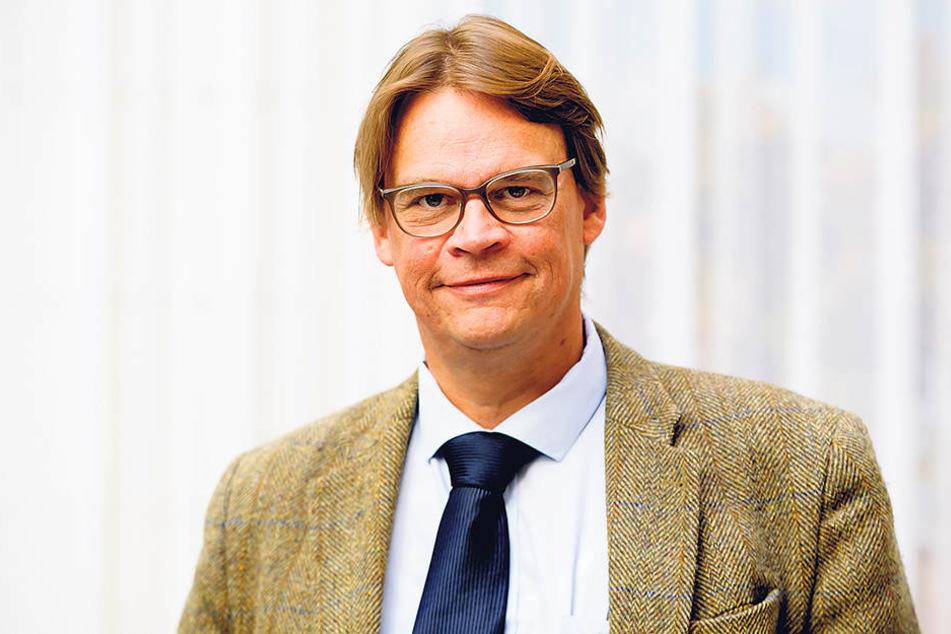 Harald Simons, Professor für Volkswirtschaftslehre an der HTWK Leipzig, eröffnet traurige Wahrheiten über Sachsens Dörfer.
