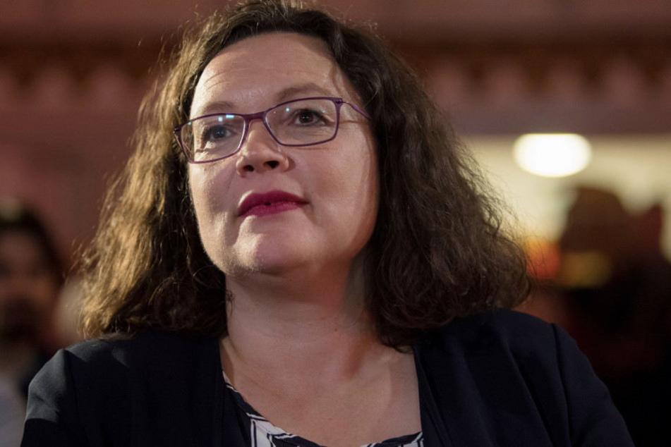 Andrea Nahles geht gegen ihre Kritiker in die Offensive.