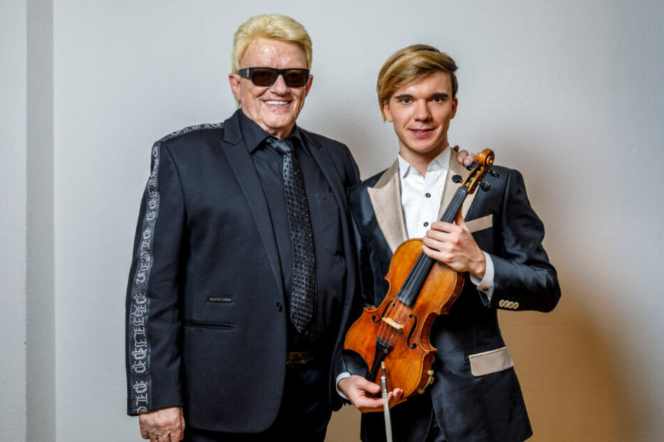 Heino (80) mit Geiger Yury Revich (28) und dessen Stradivari-Geige.