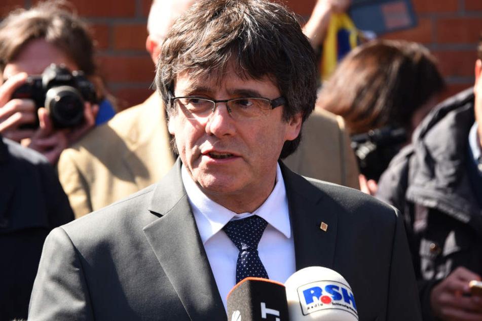 Carles Puigdemont wird aus der JVA Neumünster entlassen.