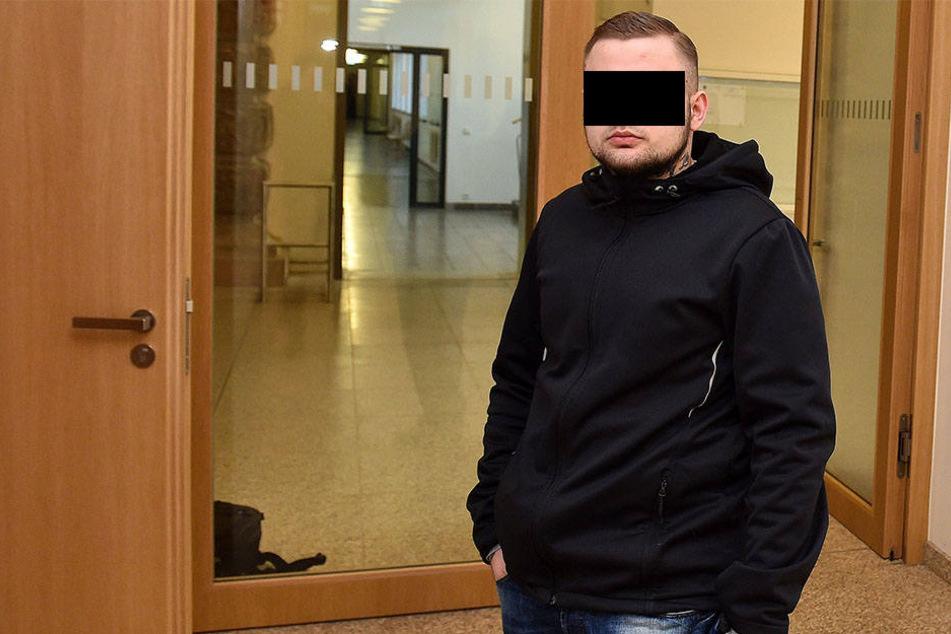 Er biss einem jungen Mann ein Stück vom rechten Ohr ab: Marcel W. (22) gestern am Dresdner Amtsgericht.