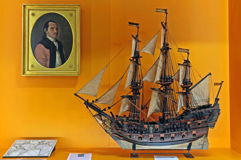 """Das Modell des Segelschiffs """"Chartilla"""" von 1776 aus Zittau wurde von Restaurator Frieder Eifler in Olbersdorf generalüberholt und segelte in den Audi-Bau."""