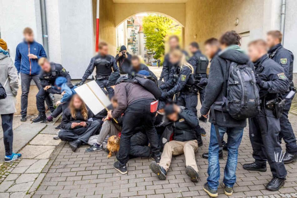 Dresden: Polizeieinsatz: Aktivisten wollen Räumung in Striesen verhindern