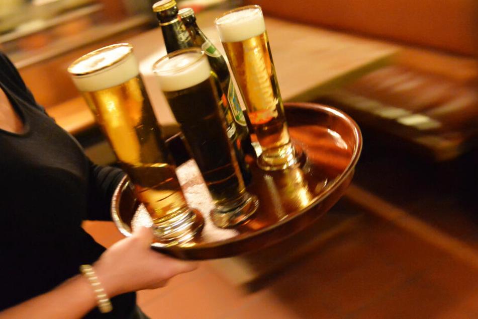 Viele Menschen in Bayern sind im Gastgewerbe beschäftigt. (Symbolbild)