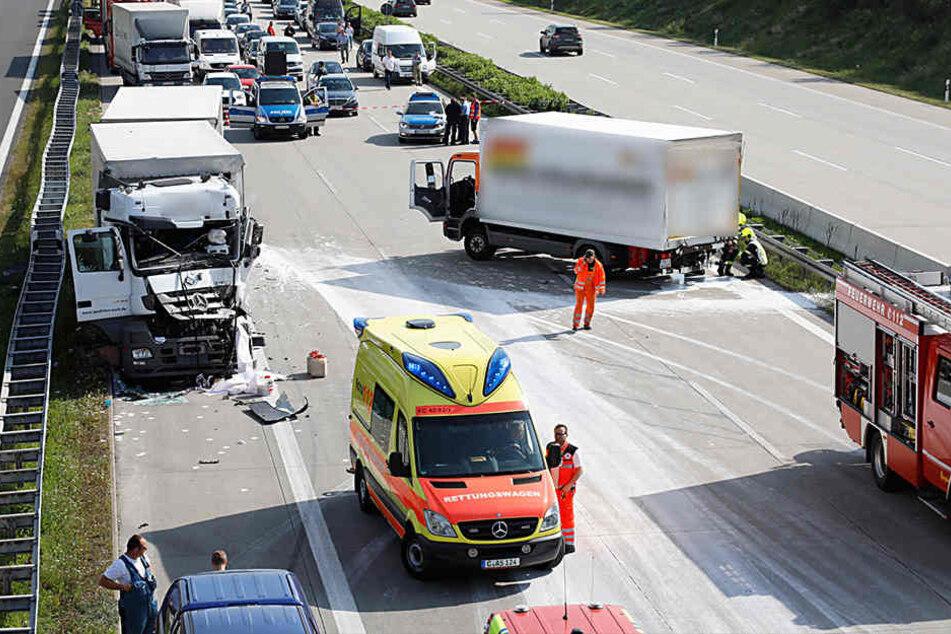 Auf der A4 kollidierten am Dienstagmorgen zwei Lkw.