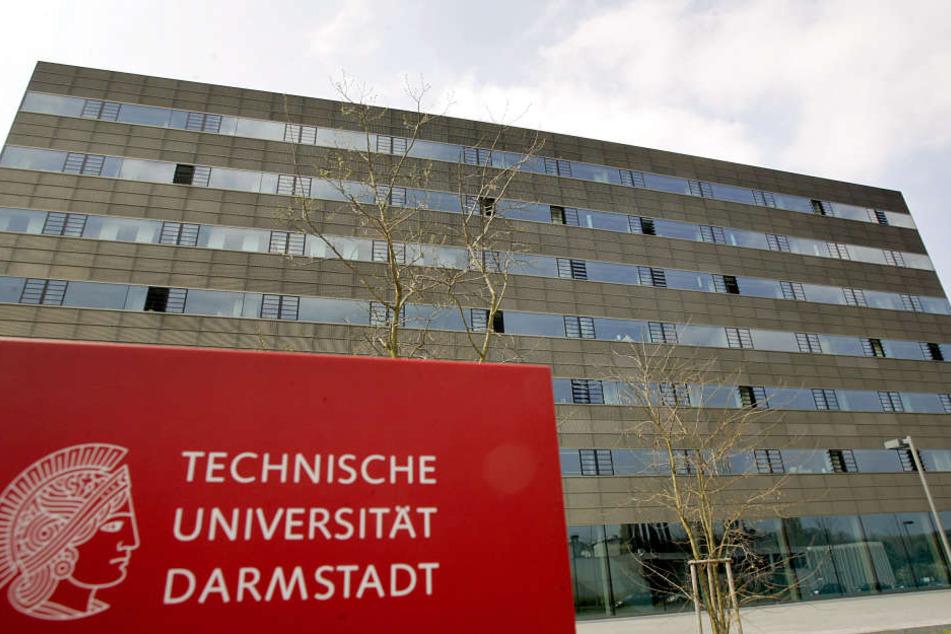 Der ehemalige Doktorand der TU Darmstadt muss sich wegen mehrerer Delikte verantworten. (Symbolbild)