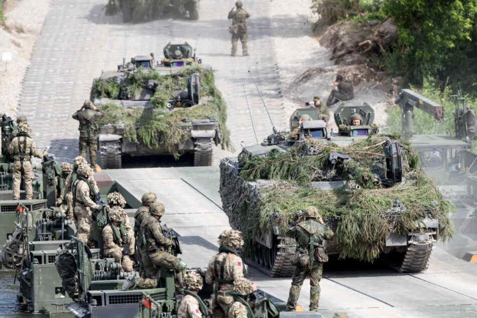 Mehr als 40.000 Soldaten - darunter auch die Truppen der Bundeswehr - nehmen an dem NATO-Manöver teil (Archivbild).