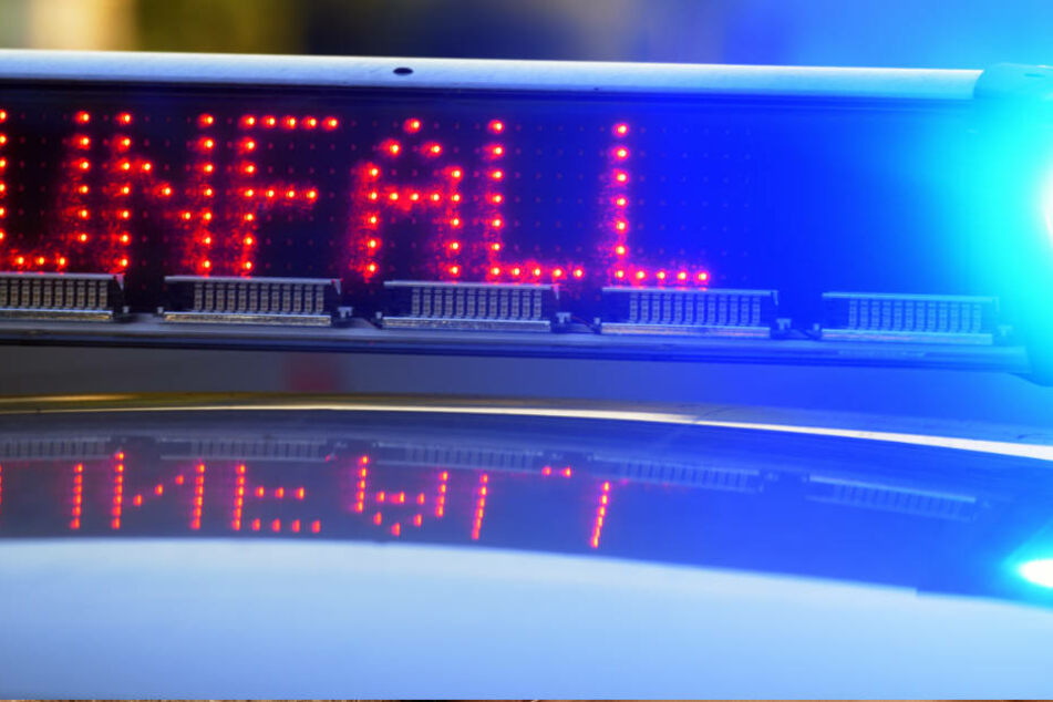 Durch den Unfall kam es zu einem kilometerlangen Stau auf der Autobahn 67 (Symbolbild).