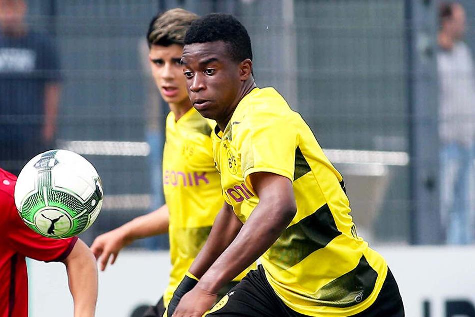 BVB-Wunderkind Youssoufa Moukoko traf gegen Bayer Leverkusens U19 drei Mal. (Archivbild)