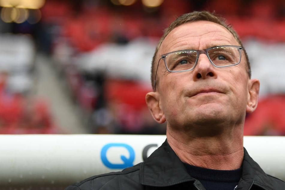 Ralf Rangnick (62) könnte sowohl Nachfolger von Sportvorstand Fredi Bobic (49) als auch Nachfolger von Trainer Adi Hütter (51) werden.