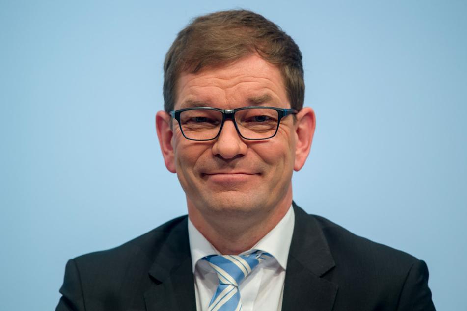 Vorstandschef Markus Duesmann (52) präsentierte den ersten vollelektrischen Audi.