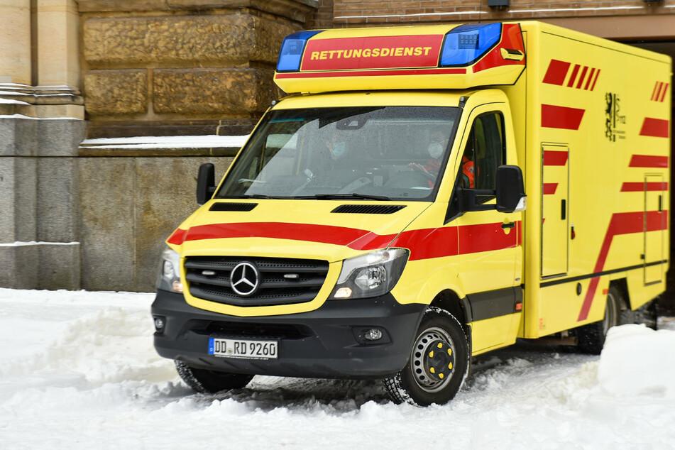 Der Krankenwagen brachte den verletzten Angeklagten direkt aus dem Haftkeller in die Klinik.