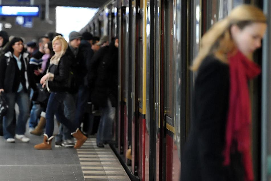 Damit das Sicherheitsgefühl gestärkt wird, sollen S-Bahnwachen kommen.
