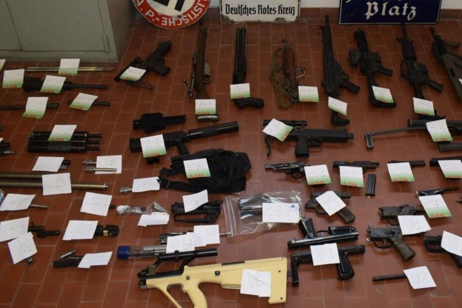 Die beschlagnahmten Waffen.