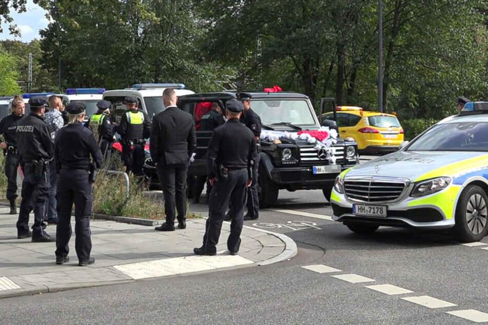 Zeugen hören Schüsse! Polizei stoppt Hochzeitskorso