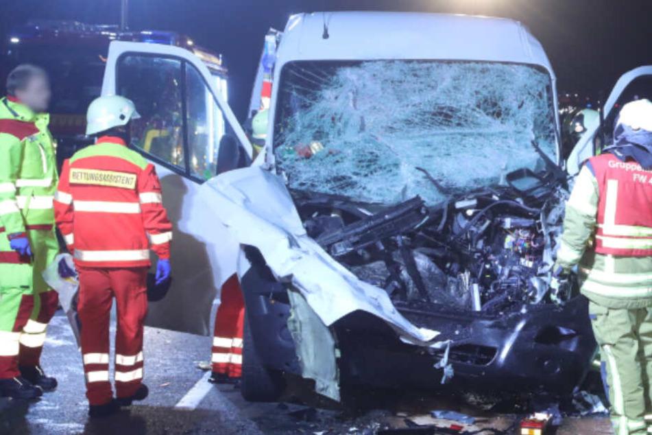 Nach Transporter-Unfall auf Coventrystraße: Dresdner Polizei sucht Zeugen