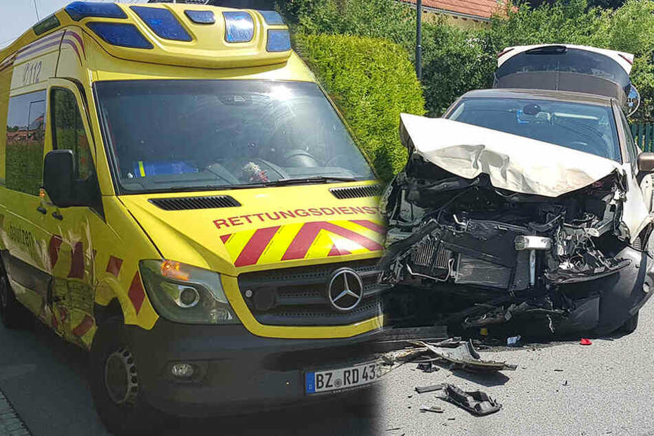 Unfall in Ohorn: Auto kracht in Rettungswagen mit Patientin!