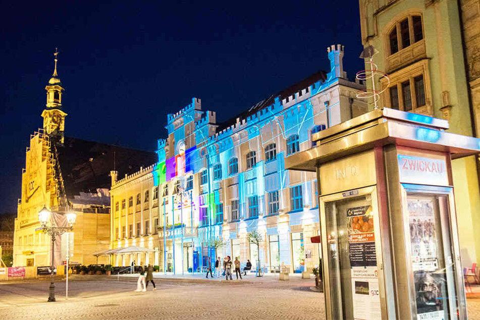 Beim Festival of Lights werden historische und markante Zwickauer Gebäude in ein besonderes Licht getaucht. Los geht es damit am Abend des 1. Mai.