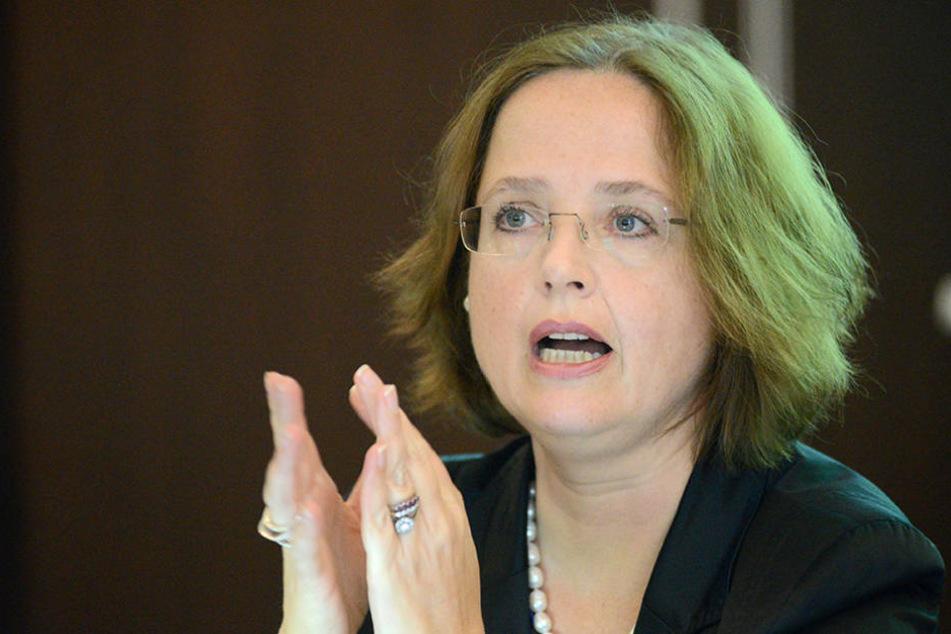 Bettina Bunge (48), Chefin der DMG, sorgt sich um geplante Gelder.