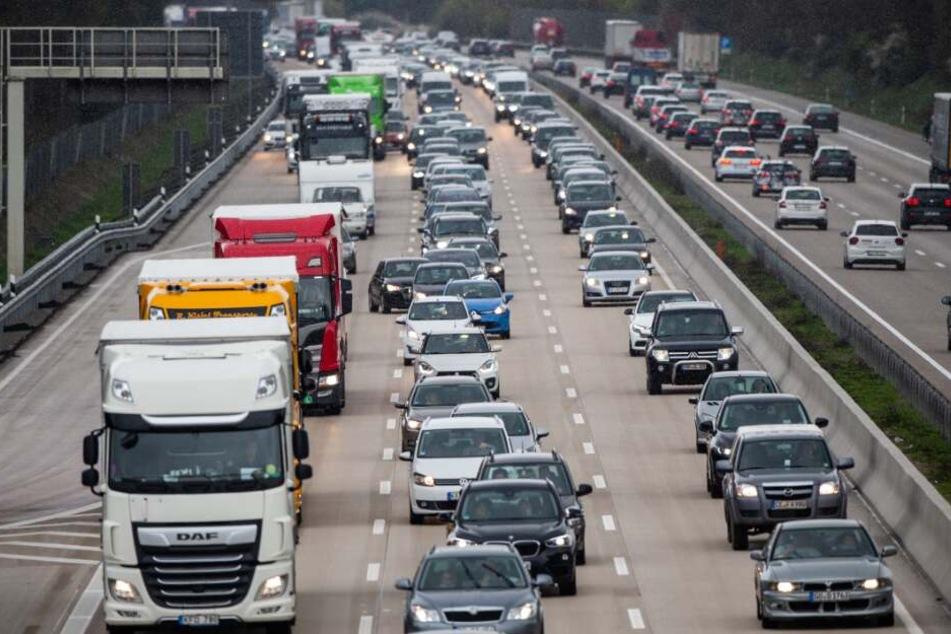 Am Wochenende soll es wieder voll werden auf Deutschlands Autobahnen.