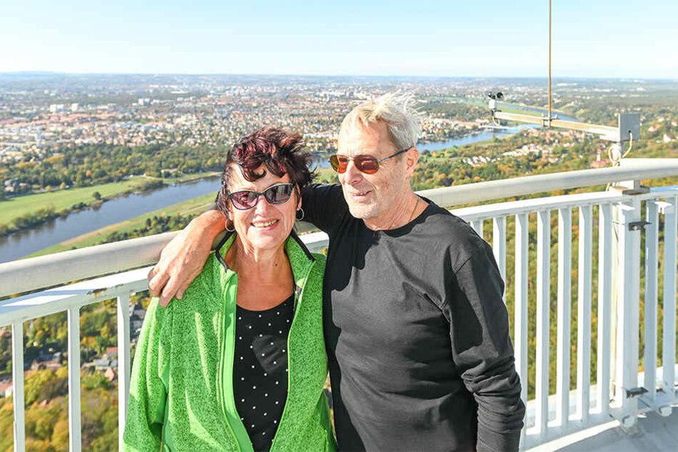 Christine Zange (69) und Uwe Schernus (73) waren Jahrzehnte nicht mehr auf dem Turm. Entsprechend haben sie das Wiedersehen genossen.