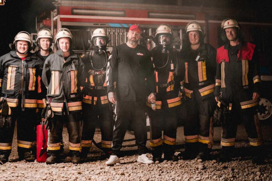 Sido dreht Musikvideo und die Feuerwehr ist mittendrin