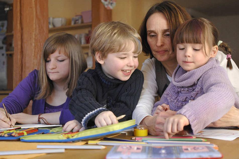 Immer mehr Kinder wachsen in Pflegefamilien auf.