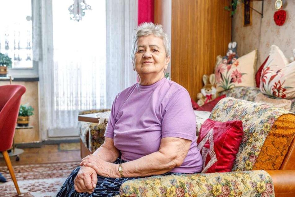 Nachbarin Gisela Fischer (85) ist noch immer schockiert von dem Brand beim Nachbarn.