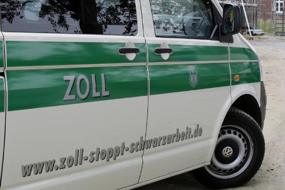 Die Münchner Zöllner nahmen die sieben Männer auf einer Baustelle im Münchner Nordosten fest.