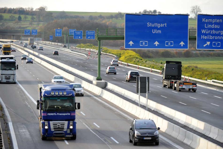 Die A8 bei Ulm-Elchingen wurde nach einem Unfall vorübergehend gesperrt.