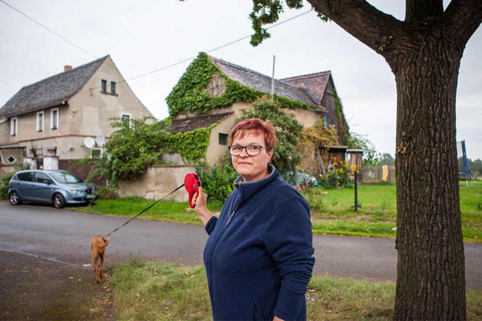 Susanne Heinzelmann wohnt nun seit 10 Jahren in Obertitz. Die Mibrag will die Dorf-Idylle devastieren.