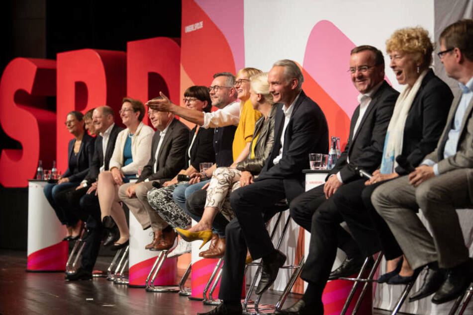 Die Kandidaten bei der SPD-Regionalkonferenz am Samstag in Filderstadt.