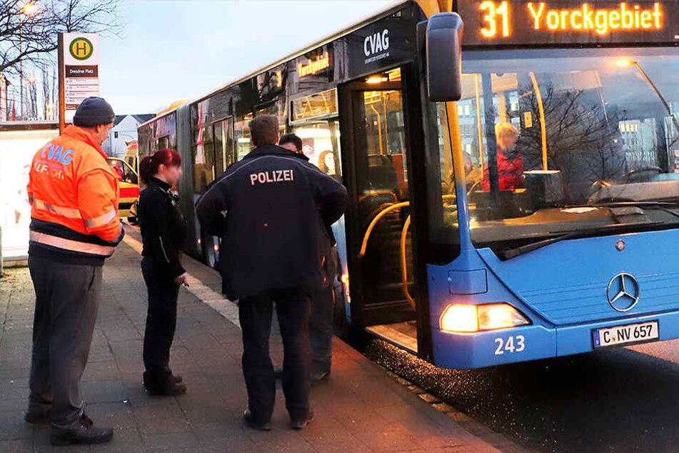Der Bus der Linie 31 musste abrupt bremsen, dabei wurden mehrere Fahrgäste verletzt.