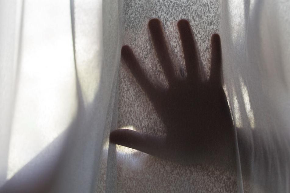 Rund 250.000 kinderpornografische Videos wurden von den internationalen Ermittlern sichergestellt. (Symbolbild)
