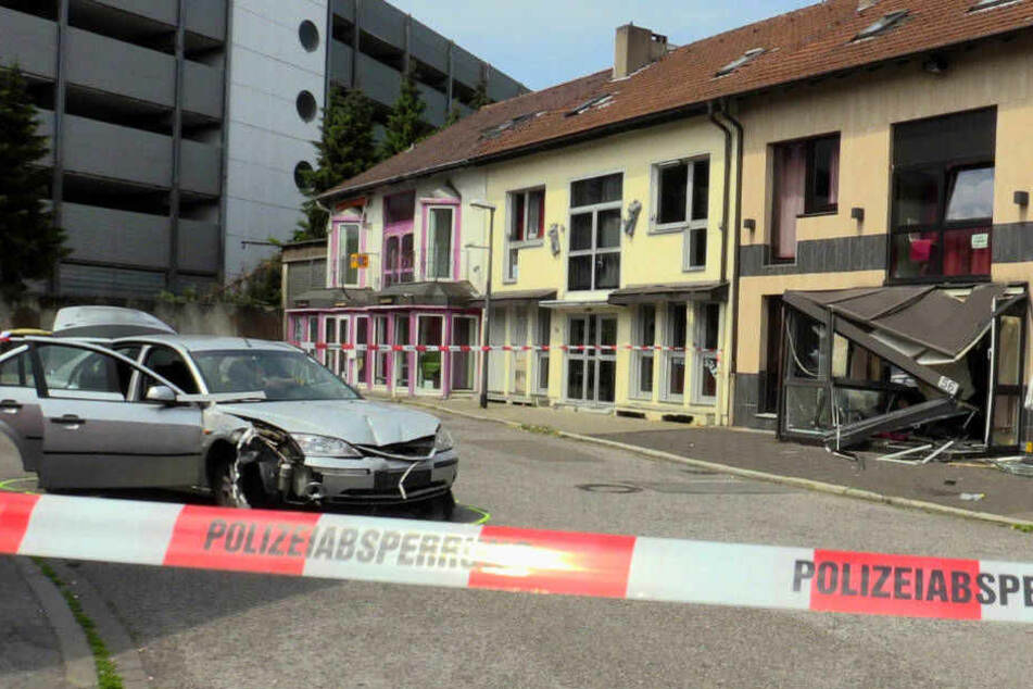 Mit Auto absichtlich in Bordell gerast: Acht Jahre Haft für Wut-Fahrt