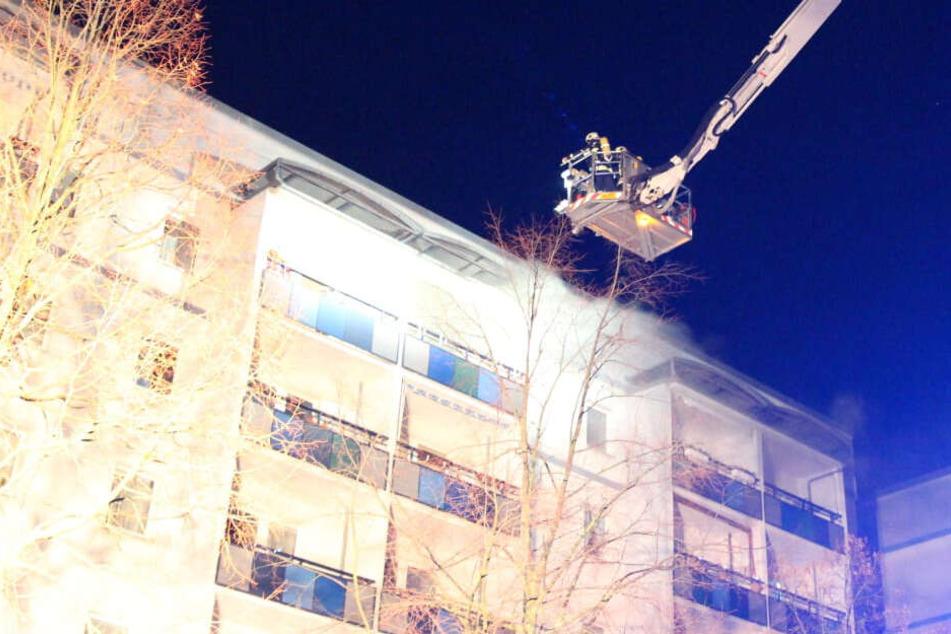 Leipzig: Brand in Leipzig-Grünau: Rauch macht zweite Wohnung unbewohnbar
