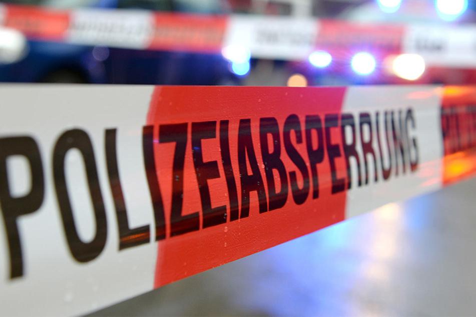 Leiche im Straßengraben gefunden: Polizei schließt Mord nicht aus