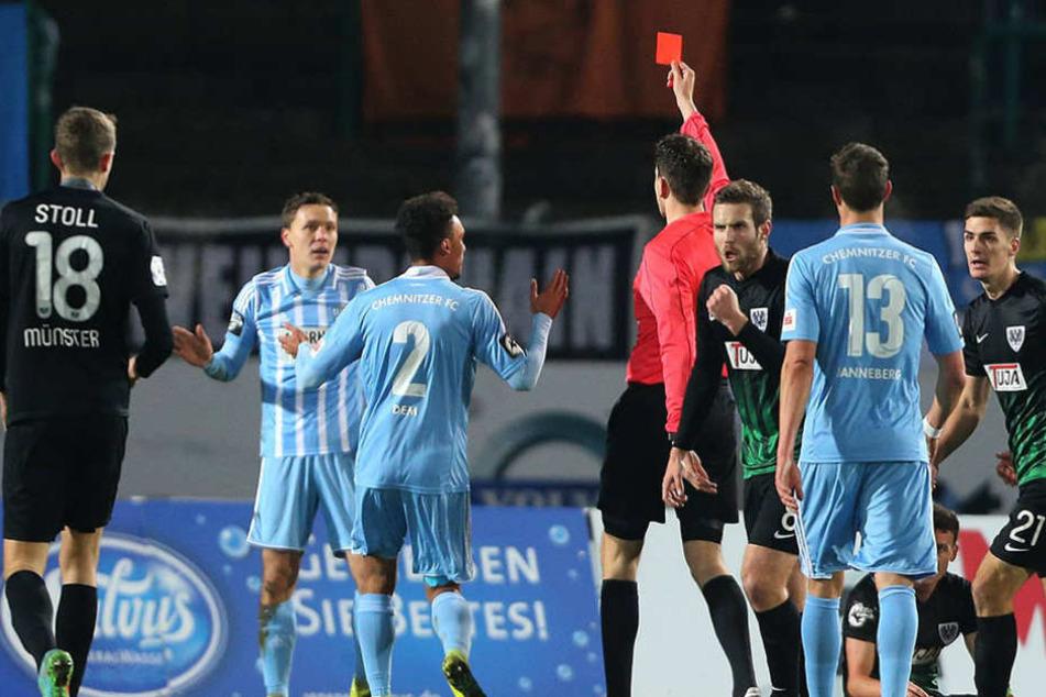 Um diese Szene geht es: Die Rote Karte für Alexander Bittroff im Spiel gegen SC Preußen Münster.