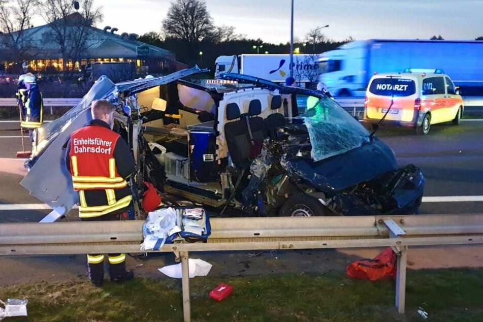 Bei einem Unfall auf der A9 am Mittwochnachmittag wurde eine Frau schwer verletzt.
