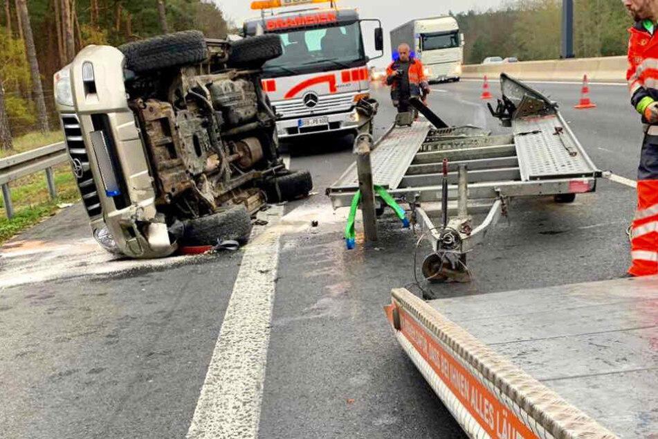 Eine Person wurde bei dem Crash schwer verletzt.