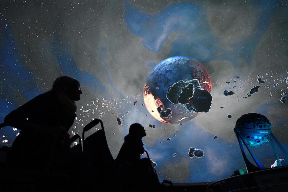 Nicht erst seit Astro-Alex: Besucheransturm auf ältestes Planetarium der Welt