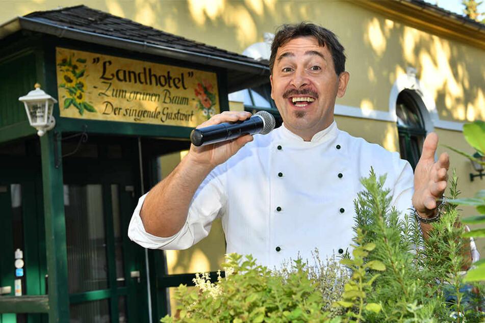 """Silvio Kuhnert, der """"Singende Gastwirt"""" aus dem Vogtland, feiert am Montag seinen 50. Geburtstag."""