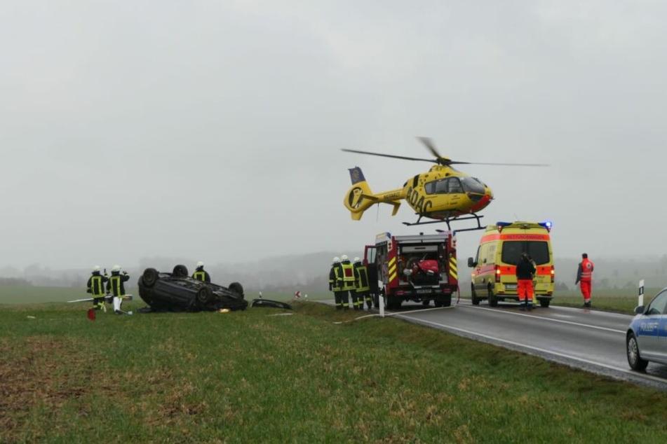 Auf der S38 bei Pöhsig ist es Sonntagnachmittag zu einem schweren Unfall gekommen.