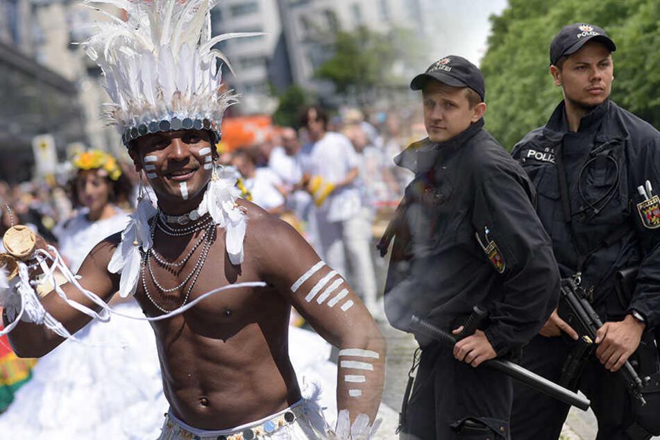 """Polizei gerüstet: Höhepunkt der """"Karneval der Kulturen"""" fast erreicht"""